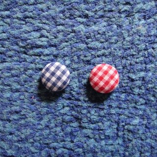(C) grid red blue grid _ cloth button earrings C22BT / UZ21Z20