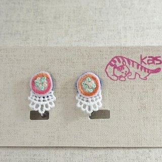 "Hand embroidery earring""Spring color circle"""
