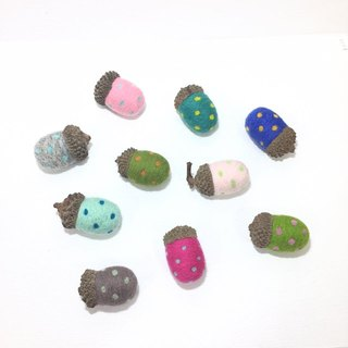 Colorful pine cones wool felt pins