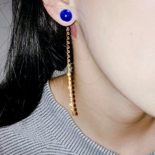 Saturated colors contrast around lines Marygo ﹝ ﹞ buckle dual diamond earrings