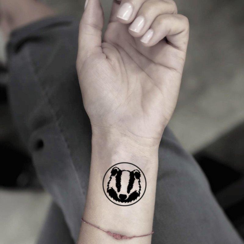 OhMyTat 圓圈蜜獾 Circle Honey Badger 刺青圖案紋身貼紙 (2 張)
