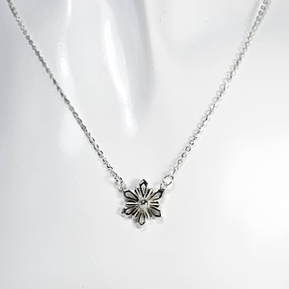 zo.craft ice crystal snowflake / necklace / 925 sterling silver
