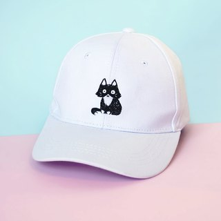 numb black cat - white cap / hand embroidery
