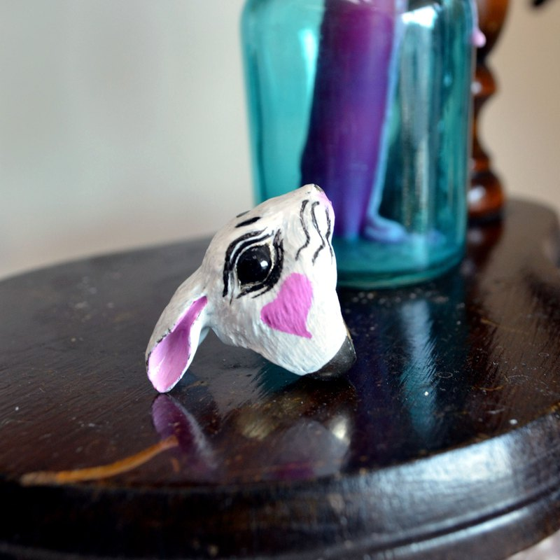 TIMBEE LO brass rabbit head ring funny version of the whole person hand-painted white rabbit transparent
