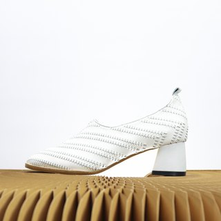 white weave leather heels
