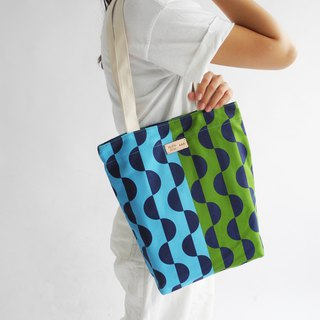 studio chiia - Original Pattern Design Tote- Wave Blue