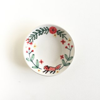 Hand painted small porcelain plate - Wreath Little Fox - Spot
