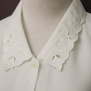 Vintage Japanese Elegant Flower Embroidered Lapel Loose White Long Sleeve Vintage Shirt Vintage Blouse