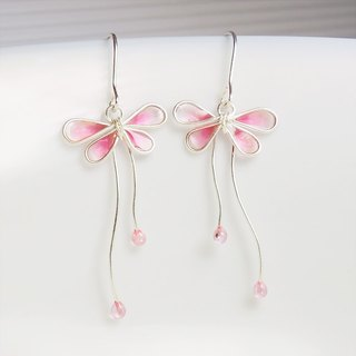 Flying butterfly butterfly earrings / ear needles / ear clip (a pair) ~ pink butterfly