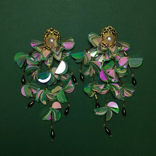 earrings : RAYA green