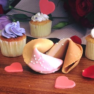 [Wedding small things - lucky cake 100 into] C.Angel creative wedding small things second approach to send gifts with the gift of Valentine's Day lucky cookies