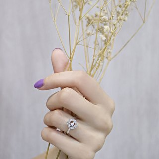 Hug stars diamond ring