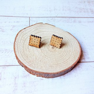 Crispy cookies modeling wooden earrings