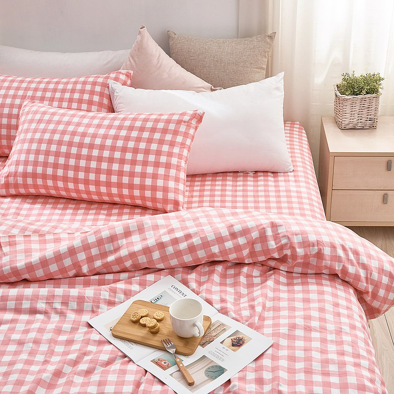Bed pillowcase set-double plus / combed cotton three-piece / black tea yogurt made in Taiwan