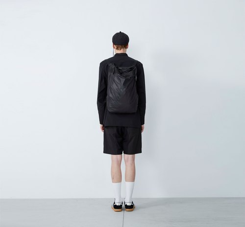 Behind zero - space adjustable backpack - black
