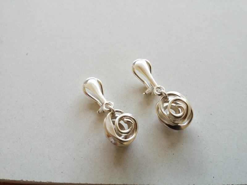 Forged Knocking Series Silver Clip Earrings Ear Taiwan Designer Handmade Rose