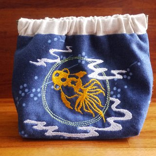 Goldfish - play moon embroidery shrapnel gold deposit bag wallet (embroidered in English name please note)