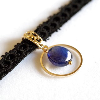 Tatting lace and velvet ribbon choker · blue sapphire