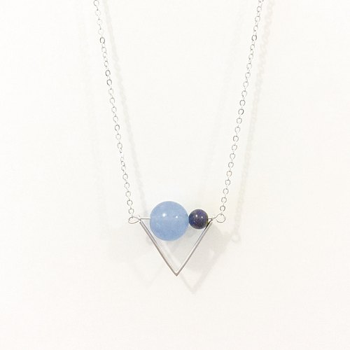 樂觀旗幟 項鍊 海藍玉髓 深藍虎眼 Triangle Flag Necklace with Sea Blue Chalcedony + Hawk-eye Dark Blue Tiger Eye Hopeful + Confidence