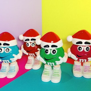 M & M chocolate cans - Christmas hat / old toys