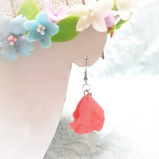 Bright pink flower earrings do