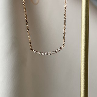 Simple smile diamond necklace