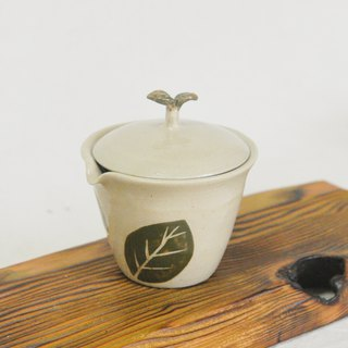 Pottery made. Tea leaf personal cover cup tea sea tea bowl