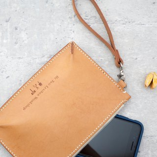 Be Two | vegetable tanned leather hand clutch / leather flat bag / evening bag (original skin color)
