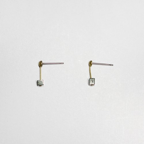 half's half- whisper (iron gray) - pyrite / brass / earrings / gray / stainless steel Ear