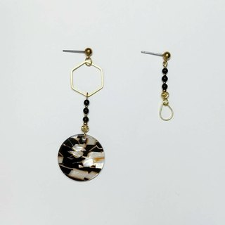 Resin black agate brass earrings-half's half/ ear pin/ ear clip/ agate