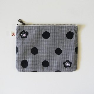 Pouch dot plum gingham check black