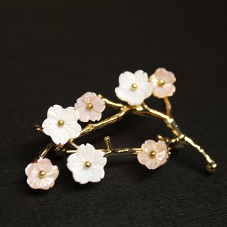 Plum blossom series of three brooch of the spring snow silver winter freshwater white shell pollen butterfly shellfish hand brooch Chinese antique jewelry