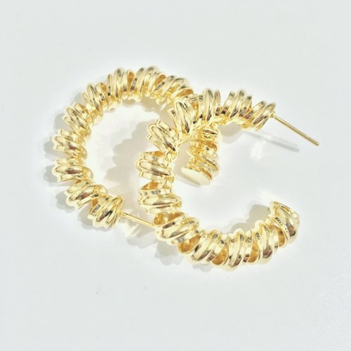 Marygo ﹝ ﹞ two-thirds circle curly golden earrings