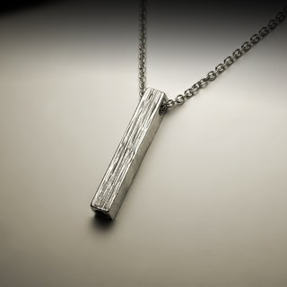 Sliver three-dimensional texture necklace