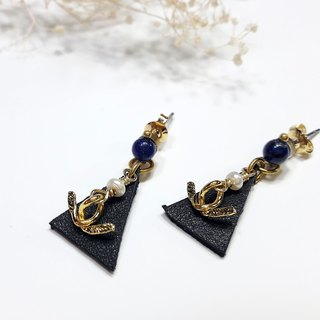 * Lapis lazuli earrings ◎ leather brass stainless steel earring Ear