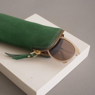 """RENÉE"" L zipper made eyeglass bag / eyeglass bag / pencil bag plant tanning carved leather / plant tannage / vegetable tannery forest green"