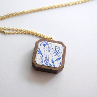 The necklace of etching print and wood < Wild flowers / Cream × Blue >