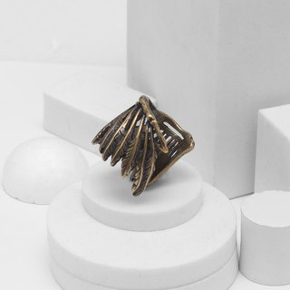 Recovery Feather Bones Ring (Bronze)