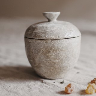 Chinese medicine pot candle with Chinese medicine flavor