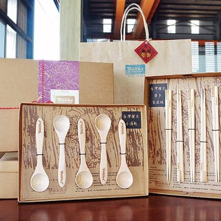 Beech wood chopsticks • Small spoons perfect combination