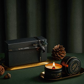 MAYBES / Spot Limited 'Christmas Gift Box _ Pine Dry Wreath Soy Candle _ Fendo Fine