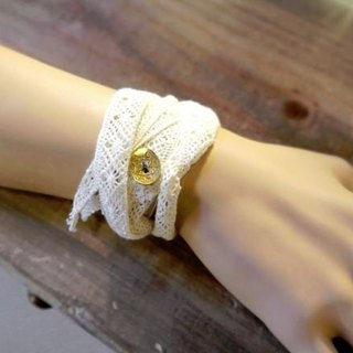 [Flower of the month] lace ribbon bracelet: Ivory A