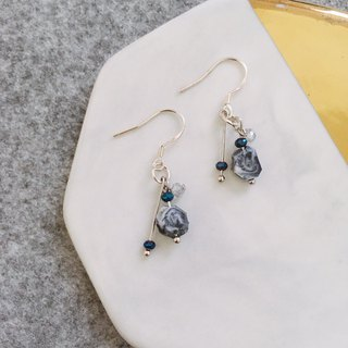 Lovely navy resin stone earring
