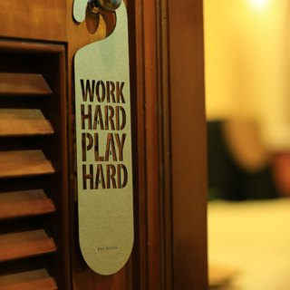 "[EyeDesign see design] a word door hanging ""WORK HARD PLAY HARD"" D23"