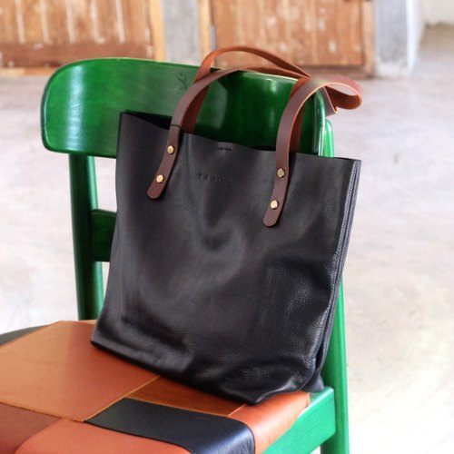 Classic Black Leather Tote Bag / Simple Horizontal Black Tote