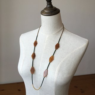 Light-colored geometric shapes Angles Long necklace geometric horn beads necklace