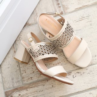 [Summer flowers] carved thick sandals - beige
