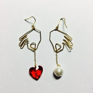 <For both ears> Hanging heart (red) Cotton pearl