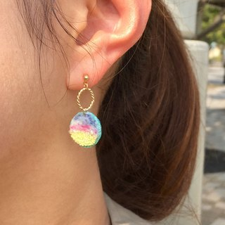 Earring / colorful juice / one ear minute