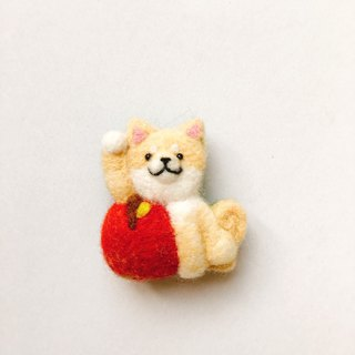 Apple Plum Chenshan - wool felt strong magnet / pin
